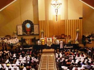 Imam kuat: Misa tahbisan di Keuskupan Agung Palembang. [NN]