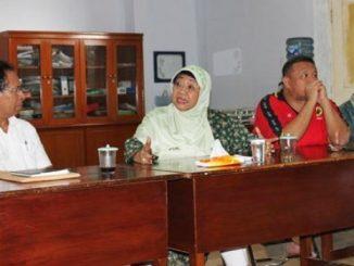 Advokasi: (Ki-ka) Majelis Pendamping GKI Yasmin Alexander Paulus, Anggota Komisi I DPR RI Lily Wahid, dan Hermawi Fransiskus Taslim. [HIDUP/Benny Sabdo]