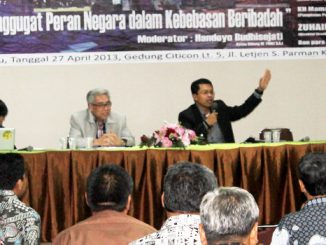 """Dialog Kebangsaan: Diskusi """"Menggugat Peran Negara dalam Kebebasan Beribadah"""" yang diadakan FMKI KAJ.  [HIDUP/A.Benny Sabdo]"""