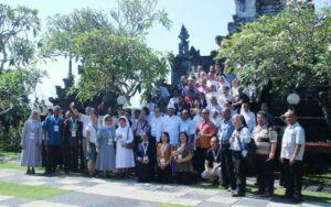 Peserta Asian Liturgy Forum di Pura Jagad Matea. (HIDUP/Antonius E. Sugiyanto)