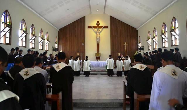 Misa Pemberkatan Kapel Biara Regina Apostolorum. (Br Antonius Mungsi OCarm)