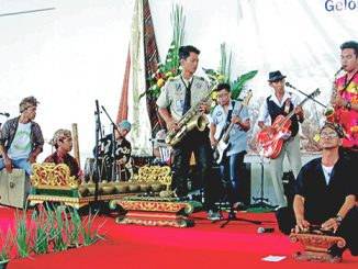 Pentas seni kisah kasih Katekis dari Komunitas Wiridan Sarikraman.[Simon Sudarman]