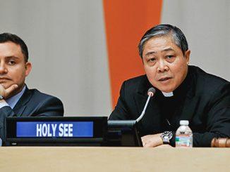 Uskup Agung Bernardito Cleopas Auza (kanan) berbicara dalam Sidang Dewan Keamanan PBB.[rappler.com]