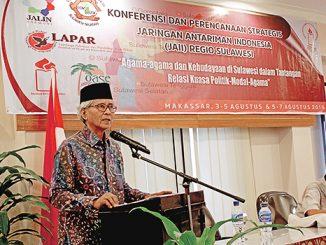 Mochtar Pabottingi menyampaikan materi tentang tiang-tiang pemersatu Indonesia.[Romo Martinus Joko Lelono]