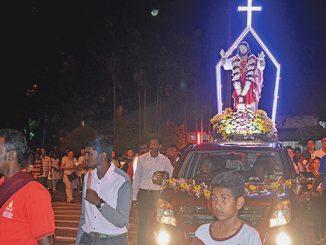 Prosesi Patung Hati Kudus Yesus oleh para pekerja di Malaysia.[HIDUP/F. Pongky Seran]