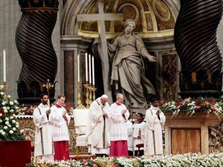 Paus Fransiskus memimpin Misa Natal 2016 (Radio Vatikan)