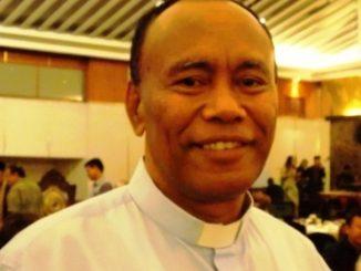 Romo Agustinus Ulahayanan, Sekretaris Komisi HAK - KWI