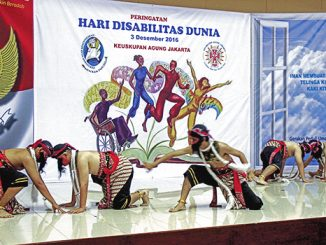 Siswa-siswa SLB Pangudi Luhur Jakarta Barat menampilkan tarian Warok.[HIDUP/Antonius E. Sugiyanto]