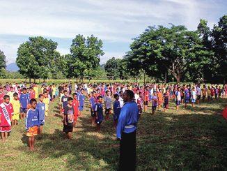 Para seminaris mengikuti latihan THS.[Fr Yosef Oriol Dampuk]