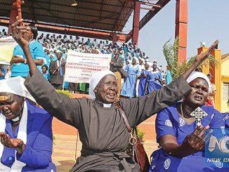 Warga Sudan Selatan berpartisipasi dalam perayaan Hari Doa Nasional di Juba.[news.xinhuanet.com]