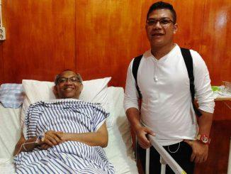 Mgr Paskalis Bruno Syukur OFM saat disambangi HIDUP di RS Ade Mohammad Djoen, Jumat, 24/3. (Dok. Monica Florence)